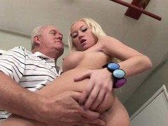 madison-makes-old-man-dick-hard-with-serious-blowjob