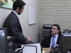 officehunk-assfucks-receptionist-over-desk