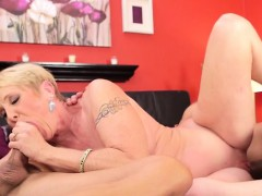 hot-girlfriend-anal-riding