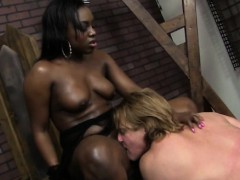 janea-jolie-eaten-out-and-fucked