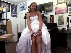 fucking-the-bride-in-wedding-dress