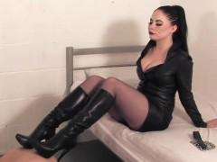 english-domina-trampling-her-disgusting-sub