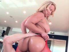 massive butt blonde riding big penis in fishnets – شرموطة شقراء جسم فاجر وطيزها كبيرة