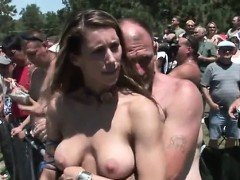 amateurs-spreading-pussy-in-public-party-crowd