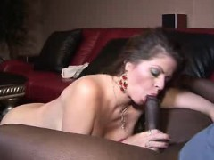 mature-honey-gets-laid-with-a-black-stud
