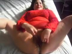 chubby-milf-masturbates-and-squirts