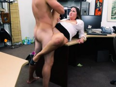 bitchy-woman-gets-pussy-fingered