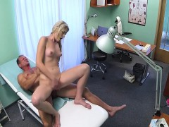 fake-checz-doctor-fucking-the-blonde-amateur