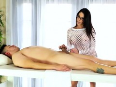 sultry-masseuse-dava-foxx-grinding-on-top-of-her-clients