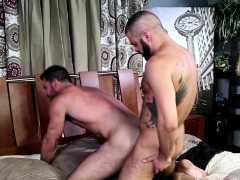 ripped-mature-stud-bottoms-before-blowingload