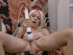 hot-blonde-with-big-pussy-lips-masturbates-to-orgasm