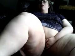 bbw-masturbating-and-orgasming