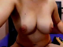Topless Aunty Teasing Her Body