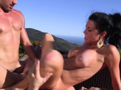 outdoor-pussyfucking-trio-with-veronica-avluv