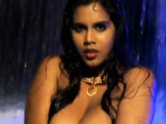 bollywood-nudes-dancing-queen