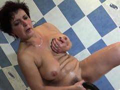 50-shower-room-erotics