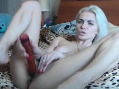 your-blonde-girlfriend-did-not-know-what-is-cumming