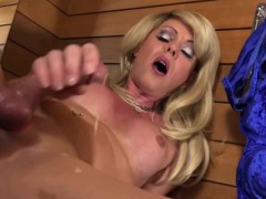 blonde-shemale-releases-her-sperm-on-herself