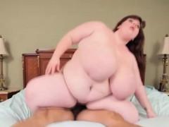 chubby-woman-fucks-groundskeeper