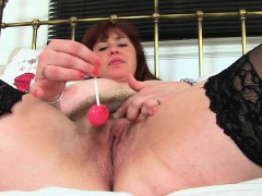 english-mum-tori-works-her-hairy-pussy-with-a-dildo