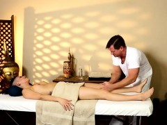 Very Tricky Spa Of Extreme Masseur