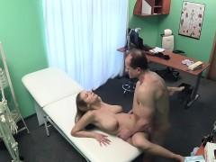 fakehospital-big-tits-babe-has-a-back-problem
