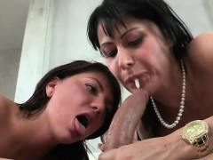 Curvaceous Cougar Has Threesome With Teen Couple
