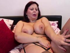 busty-mature-lady-masturbating-in-stockings