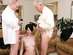 Минет Жесткое порно Взрослые и молодые Брюнетки фото 6