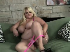 chubby-blonde-displays-the-hot-contours-of-her-body-and-fucks-a-dildo