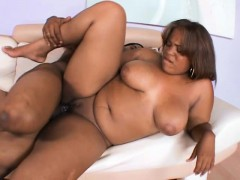 Curvaceous Ebony Chick Gets Her Shaved Pussy Pounded By A Black Bull