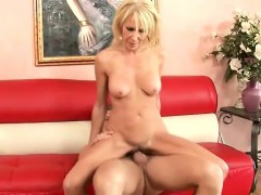 Eager Mature Chick Gets On All Fours To Swallow This Dude's Cum