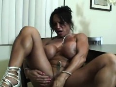 strong-margaret-and-her-dildo