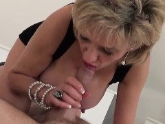adulterous-british-mature-lady-sonia-reveals-her-heavy-tits