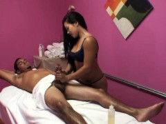 real-asian-masseuse-cockrides-and-tugs-client