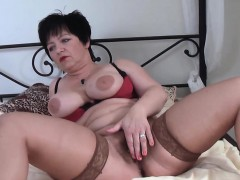 busty-german-milf-sucks