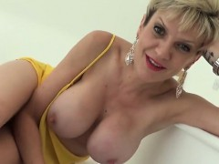 adulterous-english-milf-lady-sonia-reveals-her-huge-tits