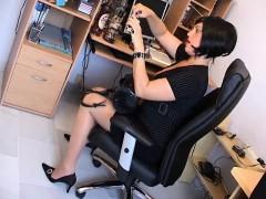 milf-secretary-earleen-from-1fuckdatecom