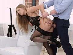 foxy-prostitute-katarina-muti-services-rich-client