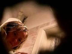spying-mom-in-toilet-anita-from-1fuckdatecom