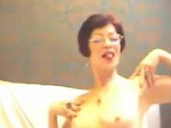 ladieserotic-amateur-granny-striptease