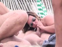 kecia-mature-beach-headhunters
