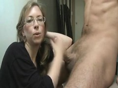 karlyn-horny-mom