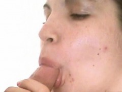 shy-girl-jewelz-sucks-cock-for-the-first-time-on-cam