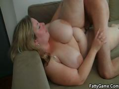 he-easily-seduces-fat-chick