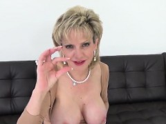 cheating-british-mature-gill-ellis-reveals-her-big-titties