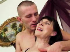 brunette-granny-gets-good-fuck