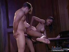 sinnamon-likes-the-taste-of-cum
