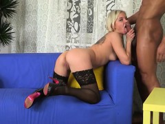 kinky honey is groaning as dude penetrates her booty hole