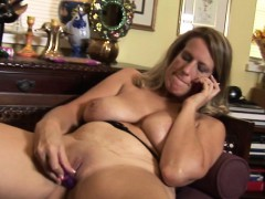 naughty-american-wife-mom-masturba-neva